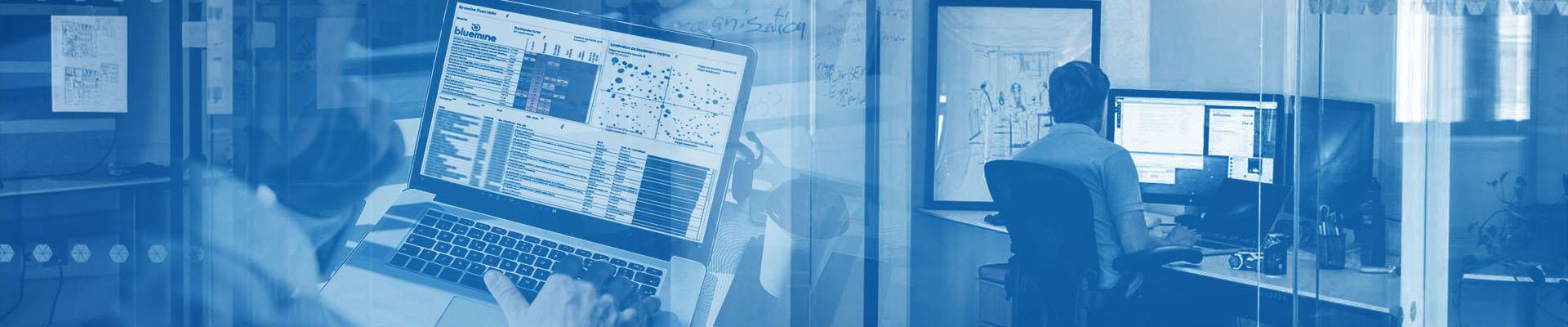 Pak de telefoon voormeer informatie over ons unieke Business Intelligence concept voor het MKB